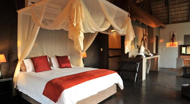 Ezulwini Game Lodges - Hoedspruit - Bedroom