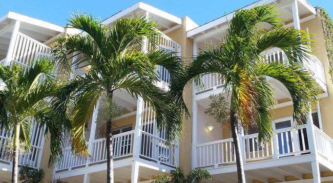 Ocean Terrace Inn - Basseterre - Building
