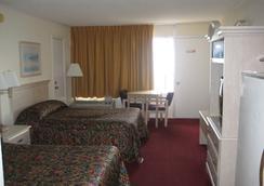 The Red Tree Inn - North Myrtle Beach - Bedroom