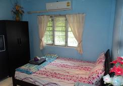 Laila Food and Drink Guesthouse - Hua Hin - Bedroom