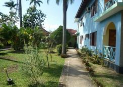 Pure Garden Resort Negril - Negril - Outdoor view