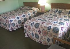 Mountain View Motel - Bishop - Bedroom