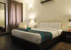 Fabhotel Trinity Art Saket - New Delhi - Bedroom