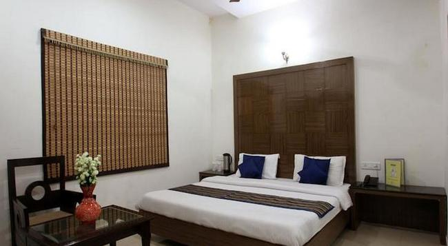 Fabhotel Mohan International Paharganj - New Delhi - Bedroom