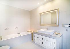 Agali Houses - Firostefani - Bathroom
