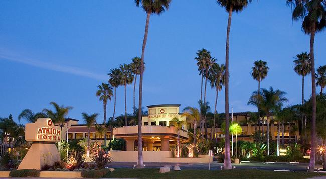 Atrium Hotel at Orange County Airport - Irvine - Building