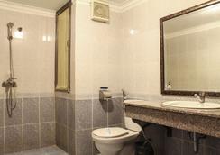 A25 Hotel Giang Vo - Hanoi - Bathroom