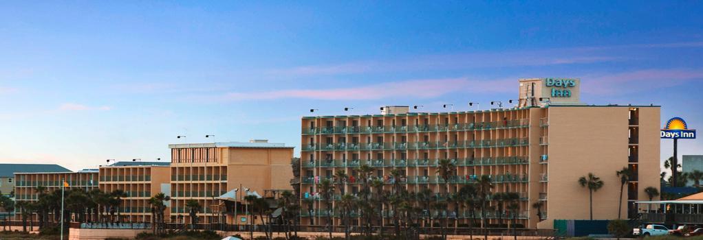 Days Inn Panama City Beach/Ocean Front - Panama City Beach - Building