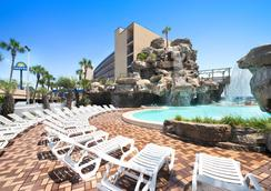 Days Inn Panama City Beach/Ocean Front - Panama City Beach - Pool