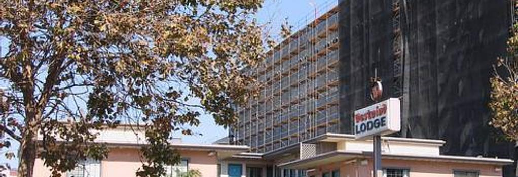 Westwind Lodge - Oakland - Building