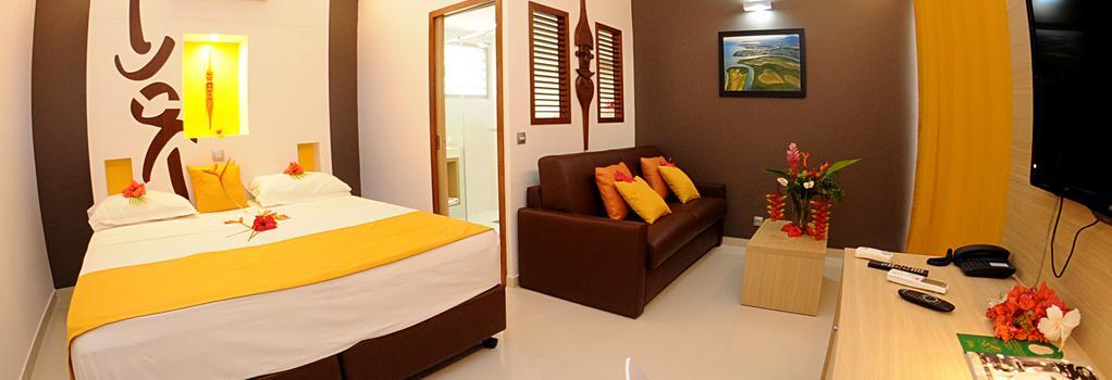 Malabou Beach Hotel - Poum - Bedroom