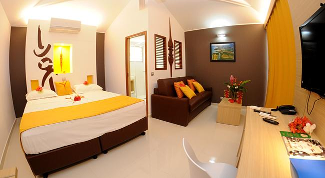 Hotel Malabou Beach - Poum - Bedroom
