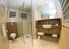 Hotel Koulnoue Village - Hienghene - Bathroom