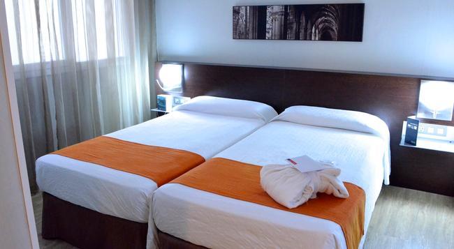 Hotel Rekord - Barcelona - Bedroom