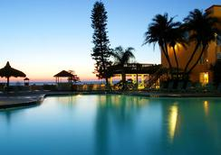 Dolphin Beach Resort - Saint Pete Beach - Pool