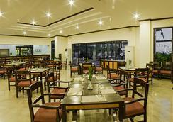 Plaza Del Norte Hotel & Convention Center - Laoag - Restaurant