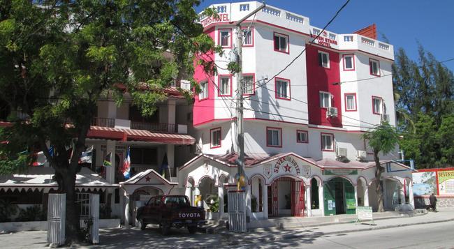 Seven Stars Hotel - Port Au Prince - Building