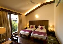 Vedic Village Spa Resort - Kolkata - Bedroom