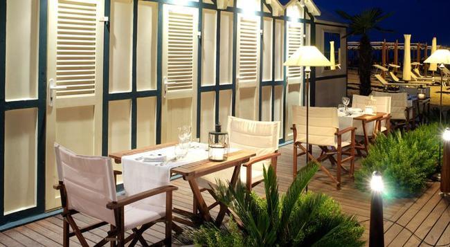 Suite Hotel Maestrale - Riccione - Beach