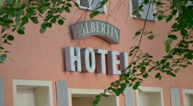 Hotel Albertin - Berlin - Building