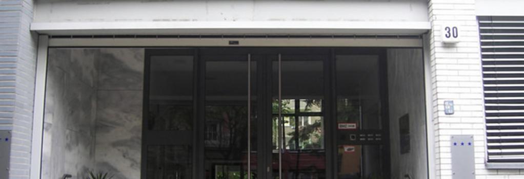 Hotel Arrival - Berlin - Building