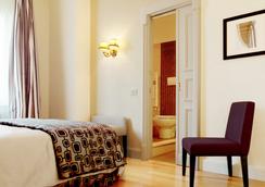 Hotel Cortina - Rome - Bedroom