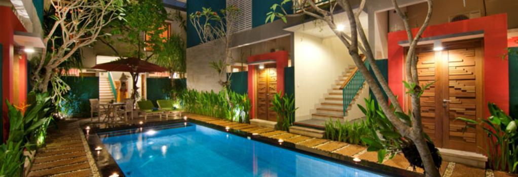 The Green Zhurga Suites - Denpasar - Pool