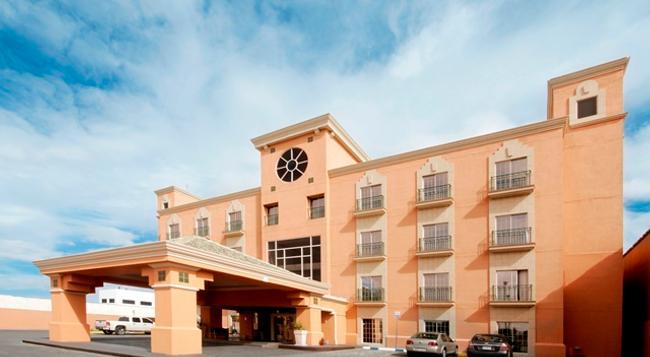 iStay Hotel Ciudad Juarez - Ciudad Juarez - Building
