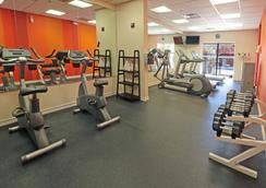Smart iStay Hotel M - McAllen - Gym