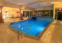 Smart iStay Hotel M - McAllen - Pool