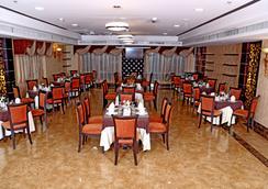 Royal Grand Suite Hotel - Sharjah - Restaurant