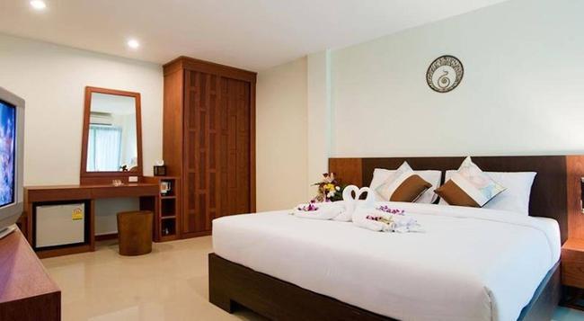 Deva Suites Patong - Patong - Bedroom