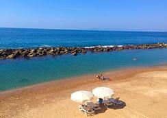 Costa Sur Resort & Spa - Puerto Vallarta - Beach
