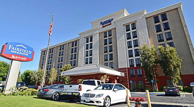 Fairfield Inn and Suites by Marriott Anaheim North-Buena Park - Buena Park - Building
