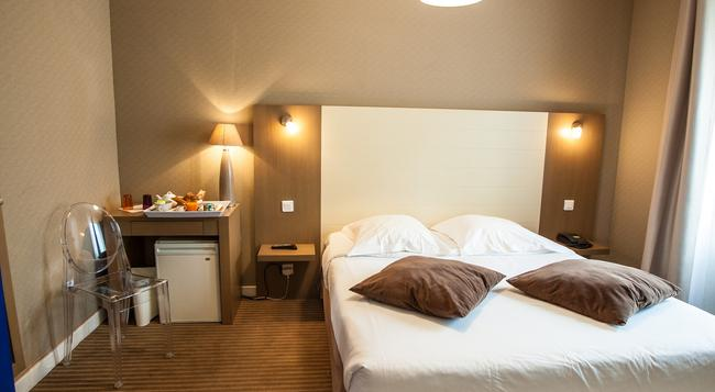 Hotel Amiraute - Cannes - Bedroom