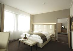 H4 Hotel Berlin Alexanderplatz - Berlin - Bedroom