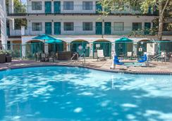 Quality Suites Downtown San Luis Obispo - San Luis Obispo - Pool