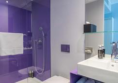 Rilano 24/7 Hotel München City - Munich - Bathroom