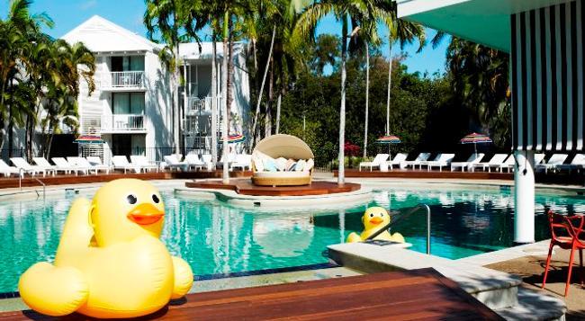 QT Port Douglas - Port Douglas - Pool
