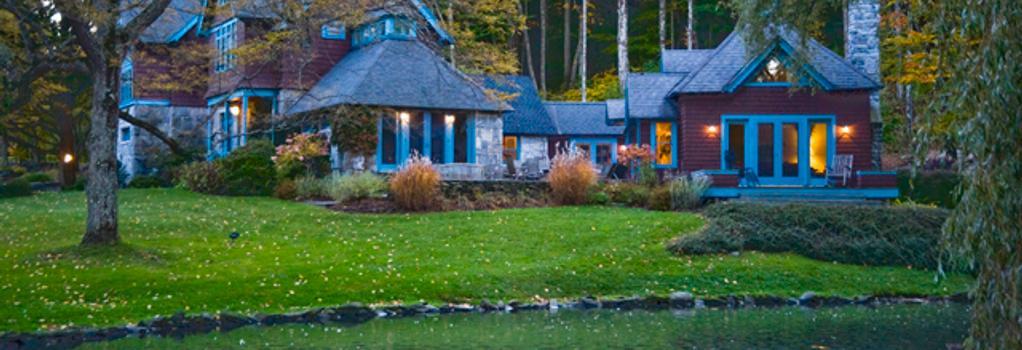 Stonover Farm Hotel - Lenox - Building