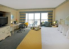 Wyndham Virginia Beach Oceanfront - Virginia Beach - Bedroom