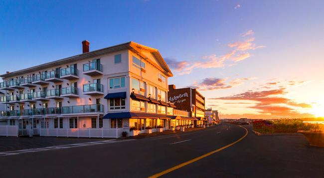 Ashworth by the Sea - Hampton Beach - Building