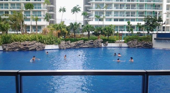 Rio East AT Azure Urban Resort Residences - Parañaque - Beach
