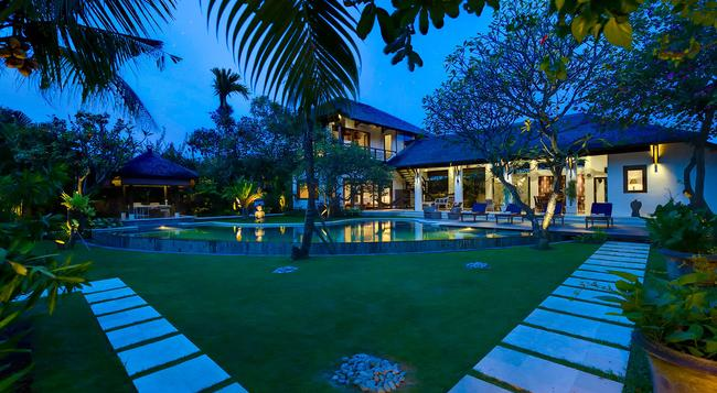 Villa Maharaj - an Elite Haven - Kuta - Building