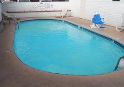 Red Roof Inn Kingman - Kingman - Pool