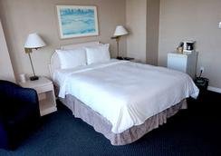 Empire Landmark Hotel - Vancouver - Bedroom
