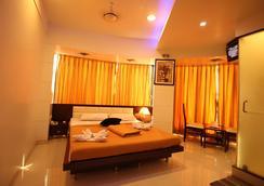 La Hotel Metro - Mumbai - Bedroom
