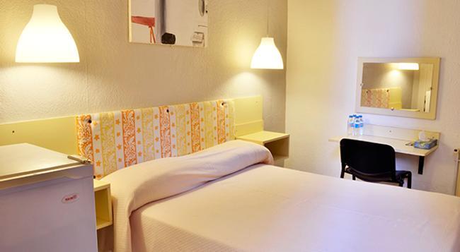 Hostal Palermo - Barcelona - Bedroom