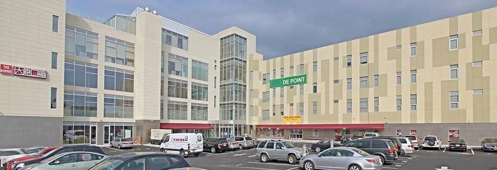 Hotel De Point - Queens - Building