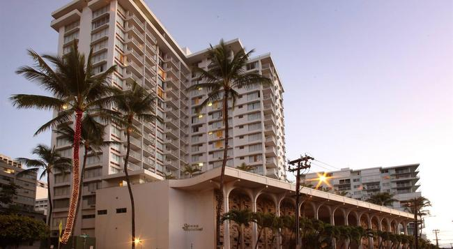 Queen Kapiolani Hotel - Honolulu - Building